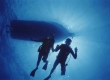Divers-Under-Boat_a